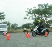 SMA Labschool Unesa Lidah Wetan Jadi Tuan Rumah Lomba Safety Riding se-Surabaya
