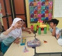 Hapsari Dewi : Siswa SD Labschool Unesa Lidah Wetan