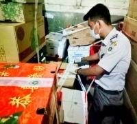 Ratusan Kotak Buah Impor Ilegal dari Malaysia Diamankan Bea Cukai dan Barantan Wilker Selatpanjang