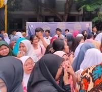Ratusan Siswa SMAN 12 Bekasi Demo Bela Guru yang Pukul Siswa Terlambat