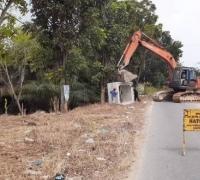 Tanpa plang proyek, pemasangan Box Culvert dan Pengerasan jalan Unggas-Labersa diduga proyek siluman