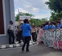 Aliansi Keluarga Mahasiswa Tuntut Kejati Usut Dugaan Korupsi di UIN Suska