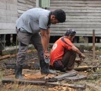 KUPS Lojo' Kleppaa Bangun Rumah Produksi Produk Kerajinan Limbah Pelepah Pinang Secara Swadaya